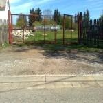 3.Brána a příjezdová cesta