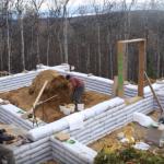 Video: Jak se staví hliněný dům