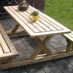 Jak si vyrobit zahradní piknikový stůl